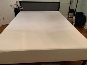 Charmant Queen Size Mattress And Bed Frame For Sale!! 3 Weeks Ago; Jersey City ...