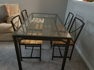 Ikea Dinning Table And 4 Chairs In Excellent Condition