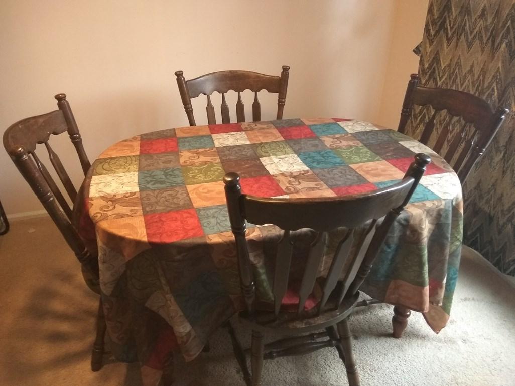 Description Wood Dining Table