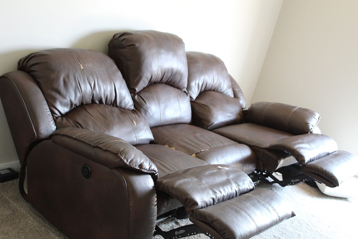 3 Seater Power Leather Recliner Sofa For Sale in Naperville, IL