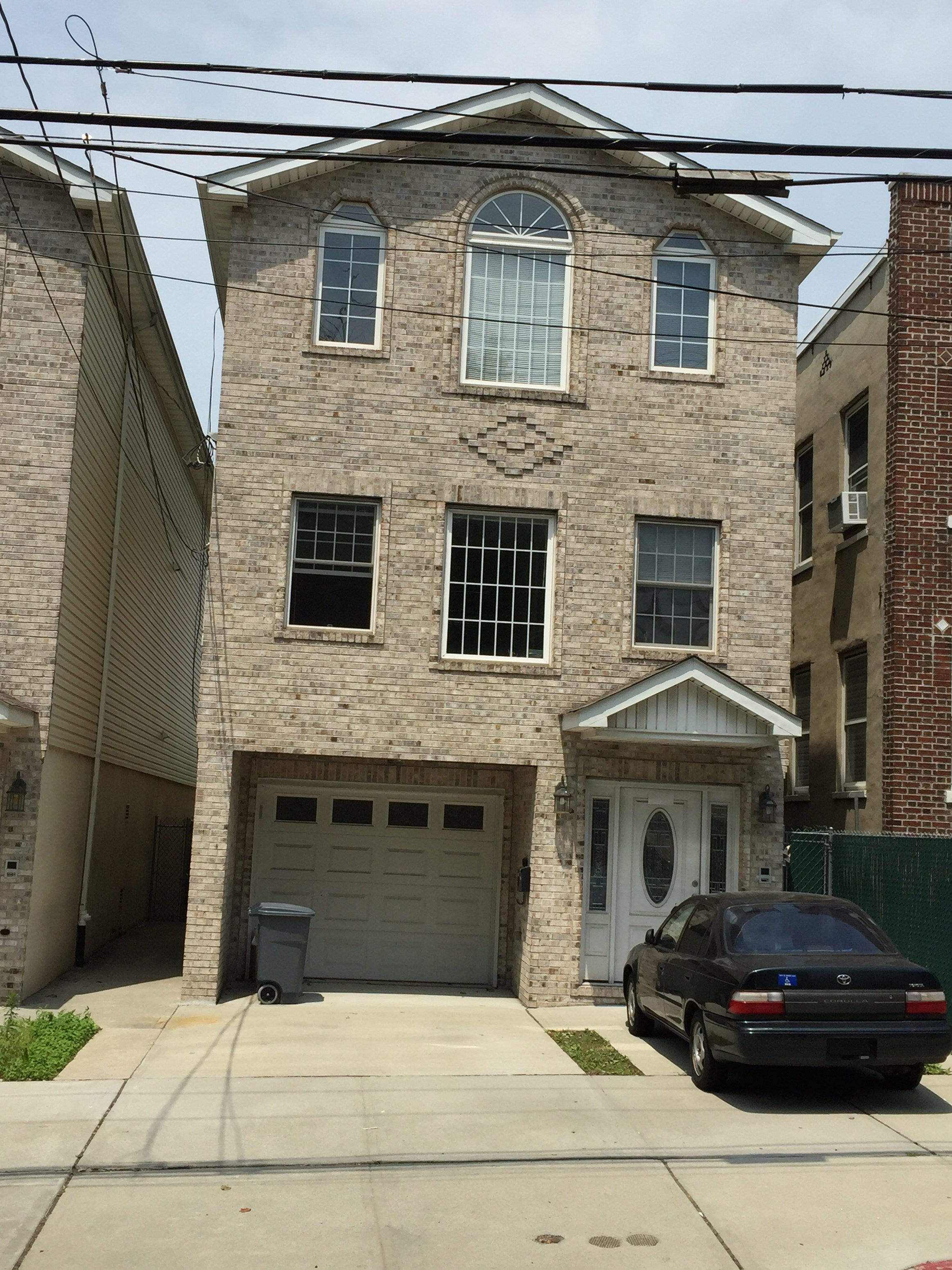 3BR 2 Bath Apt In Jersey City Heights Western Slope 3 BHK Apartments And