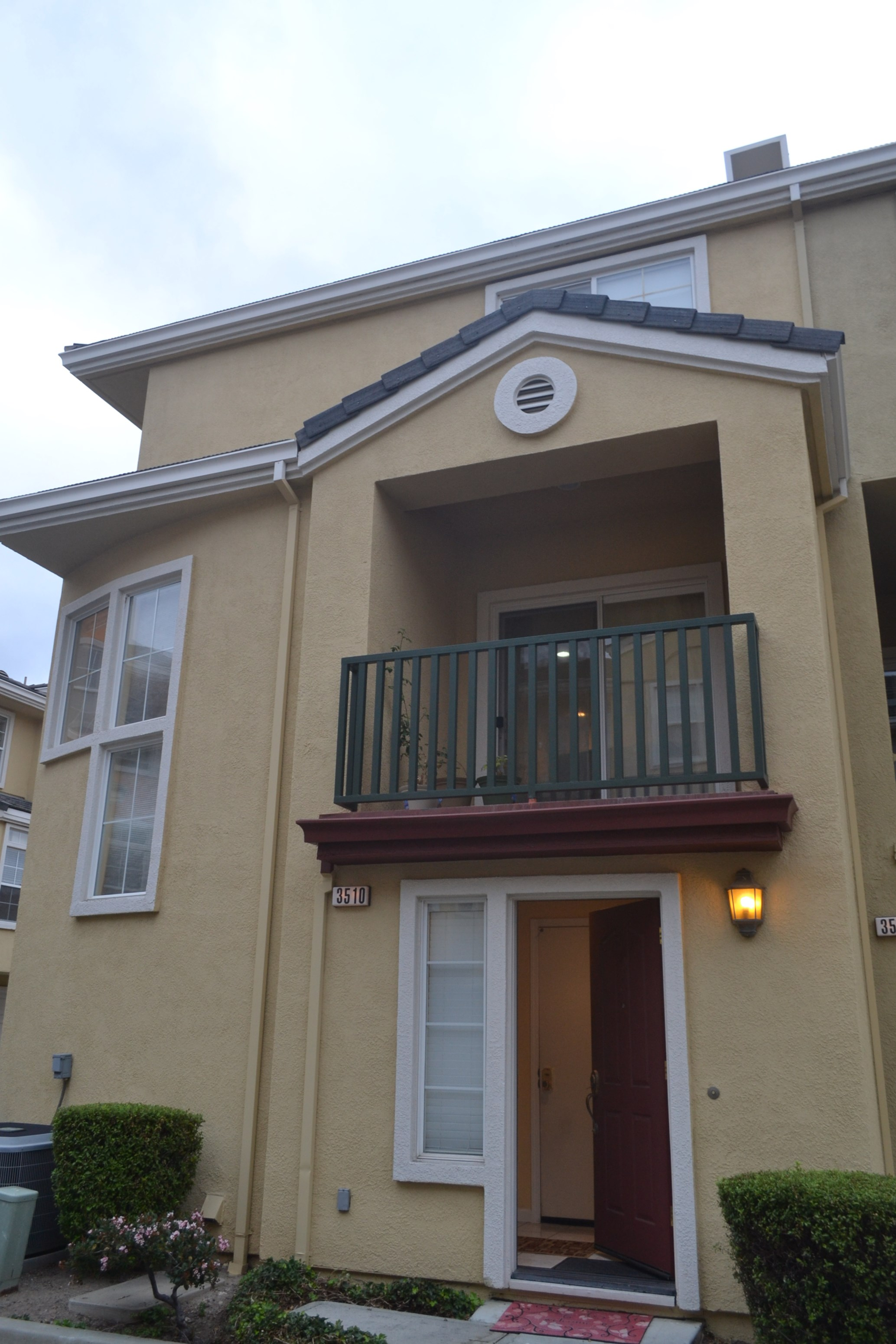 Tri Level Upgraded Townhome In Fremont Near Bart 2950 2br 1174sqft 2 Bhk Town House In