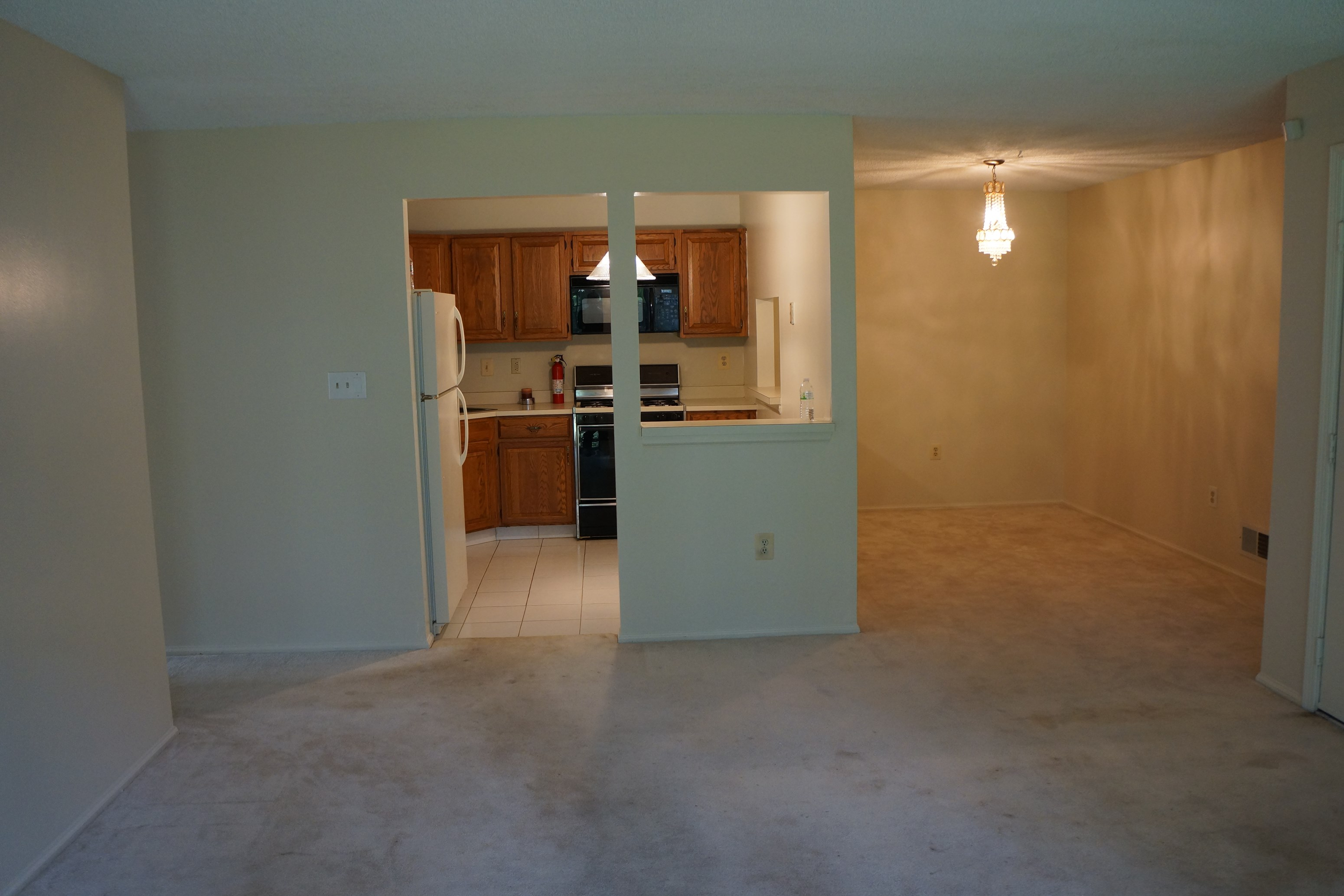 beautiful 2 bedroom apartment for rent in franklin park close to