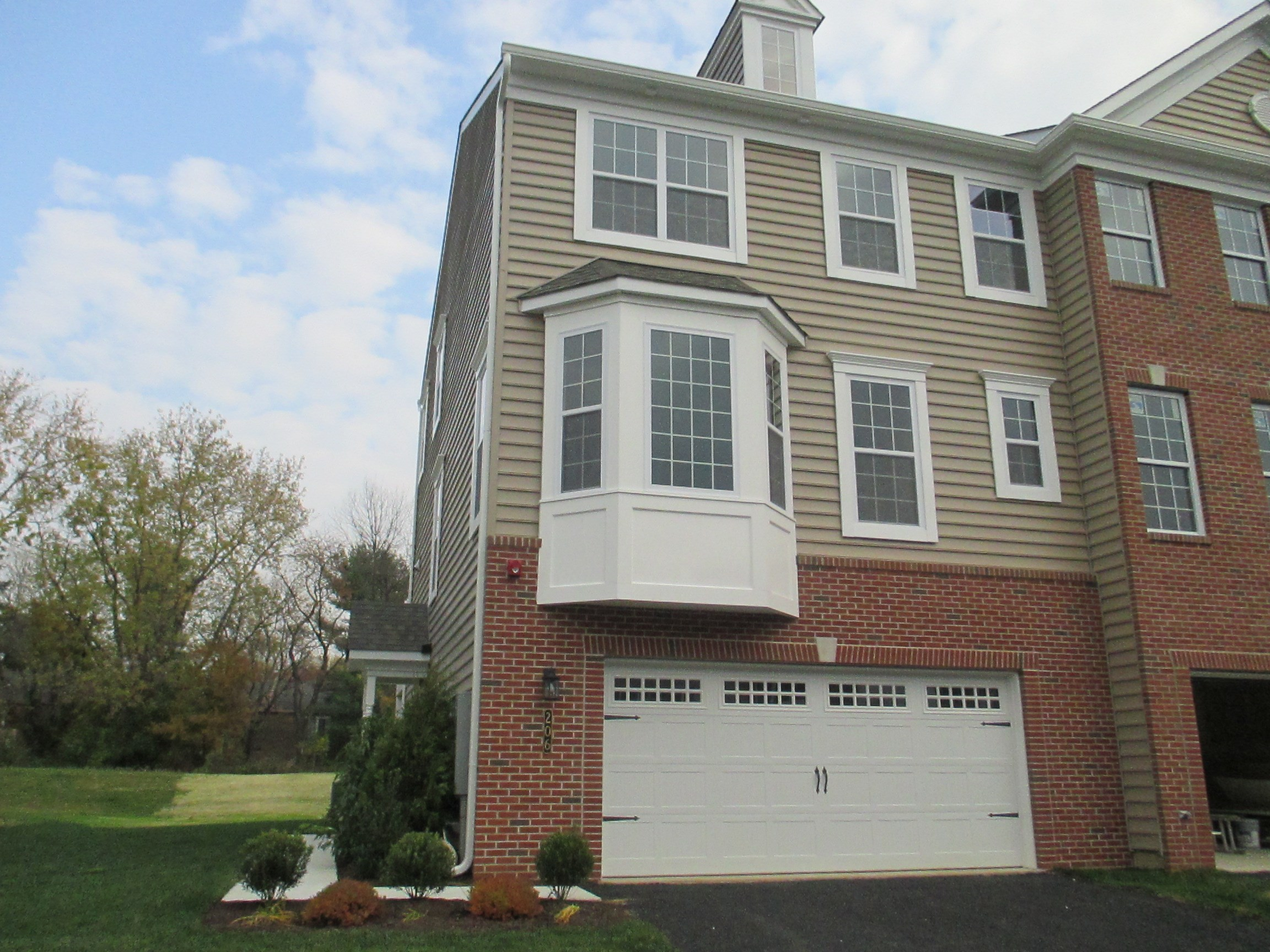 Town House For Rent In Bensalem 3 Bhk Town House In