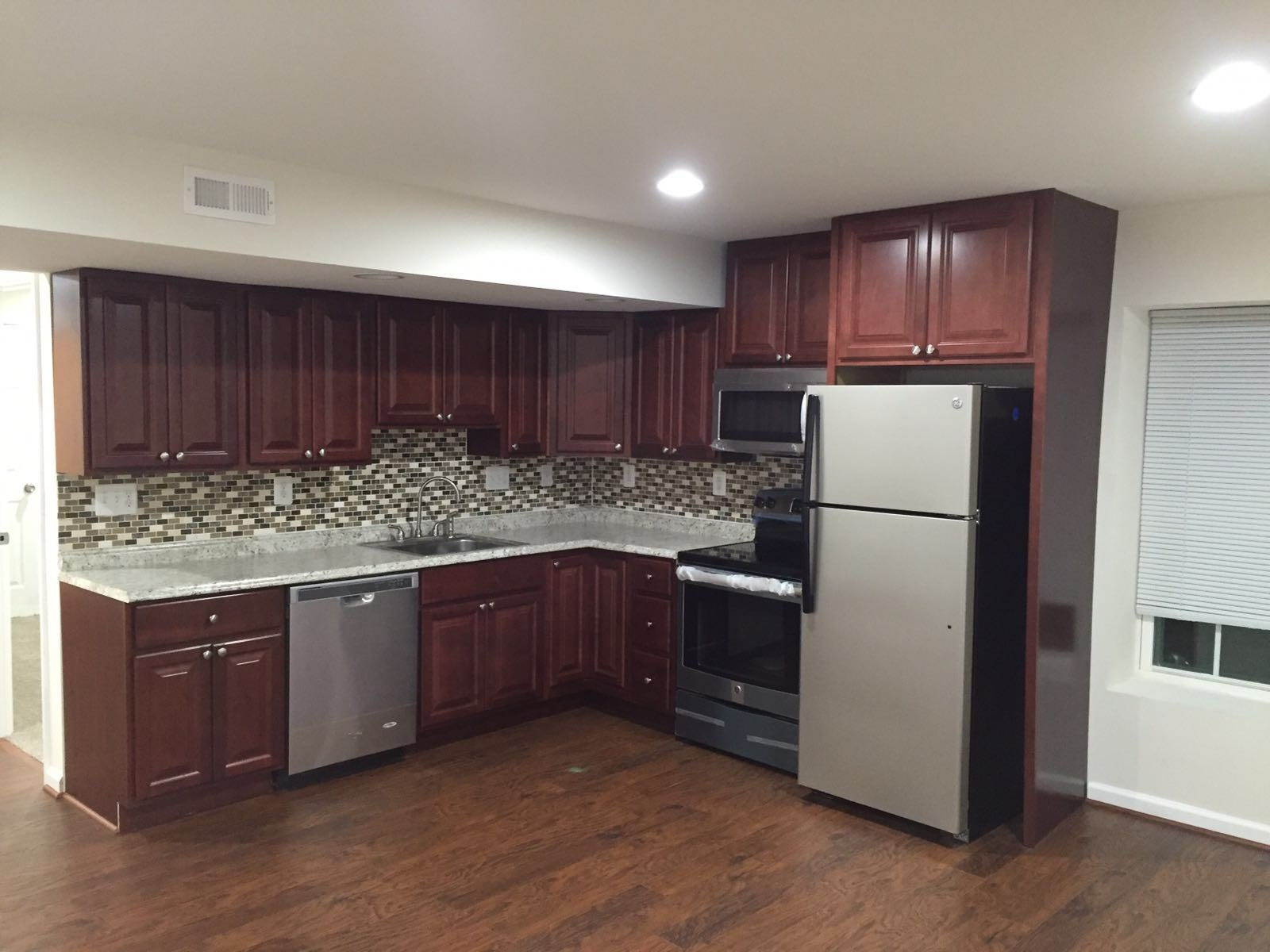 Walkout Private Ent Brand New Basement In A Single
