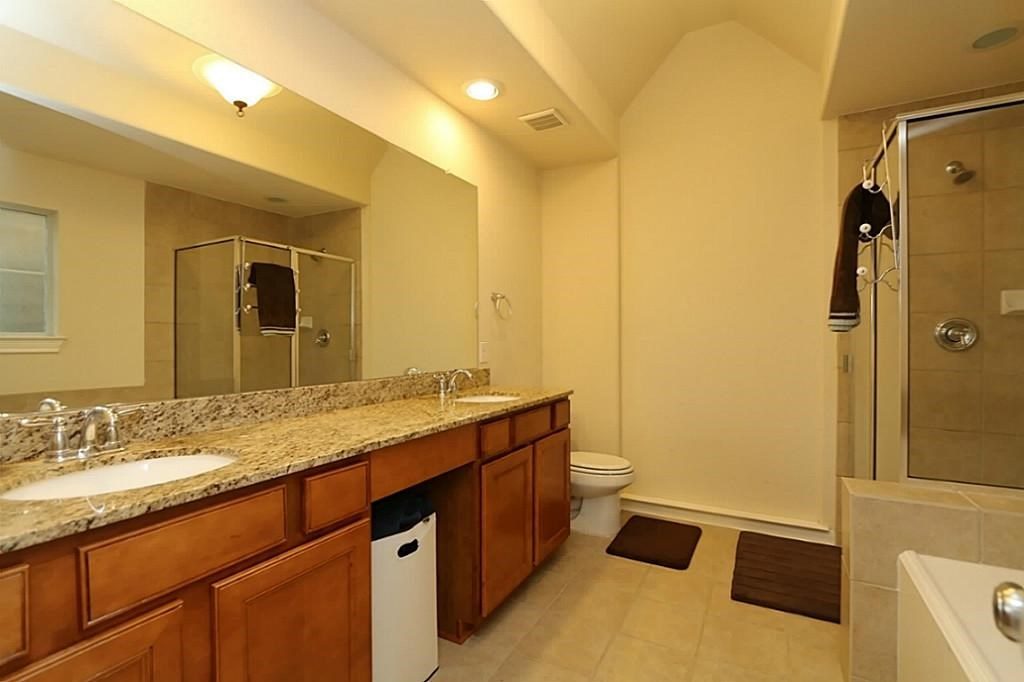 Beautiful 3 Bedroom 2 5 Bath House Near Medical Center 3 Bhk Single Family Home In Houston