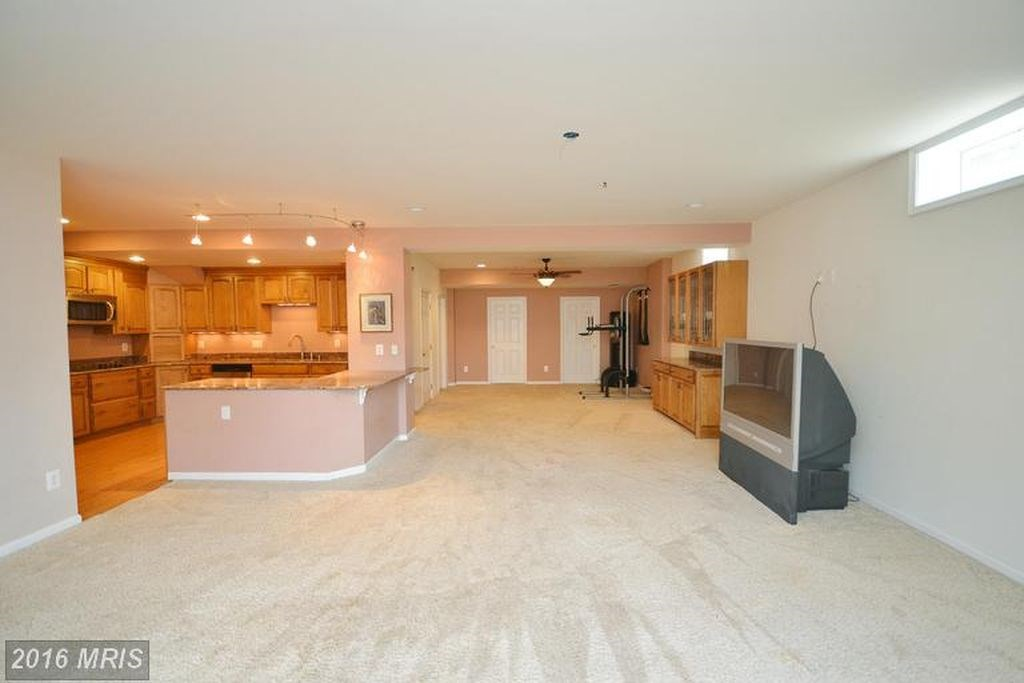Single Bedroom Basement Apartment For Rent In Leesburg