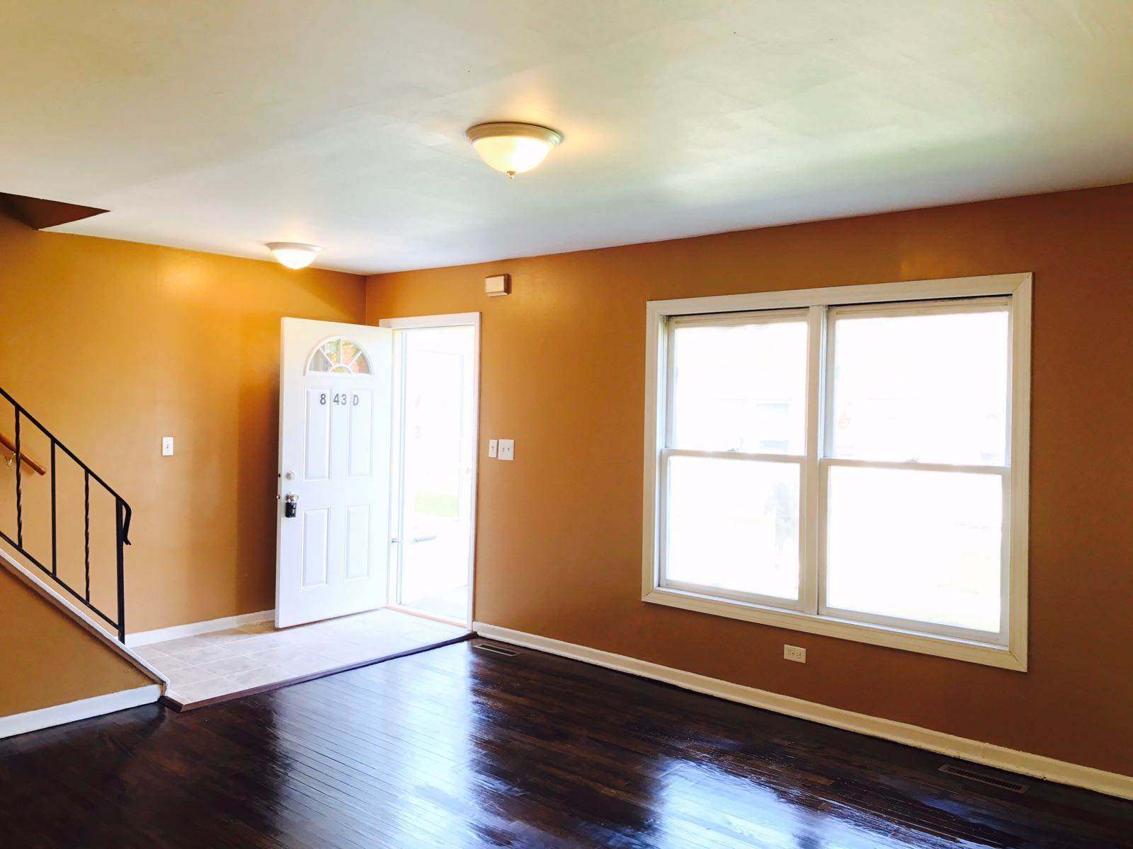 Newly RENOVATED Town House For RENT   3 Bedroom 2Bath  Basement   Private  Lawn. Newly RENOVATED Town House For RENT   3 Bedroom 2Bath  Basement