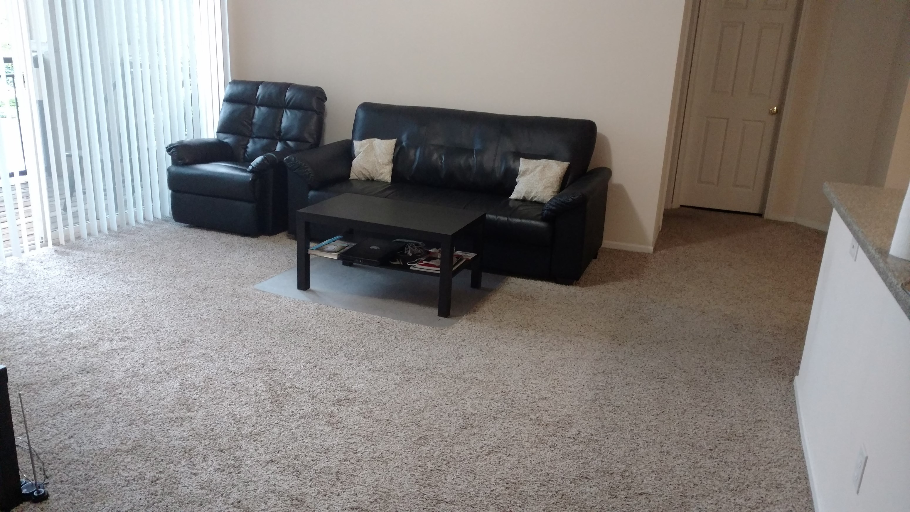 apartment immediate possession in ranchstone apts in parker co