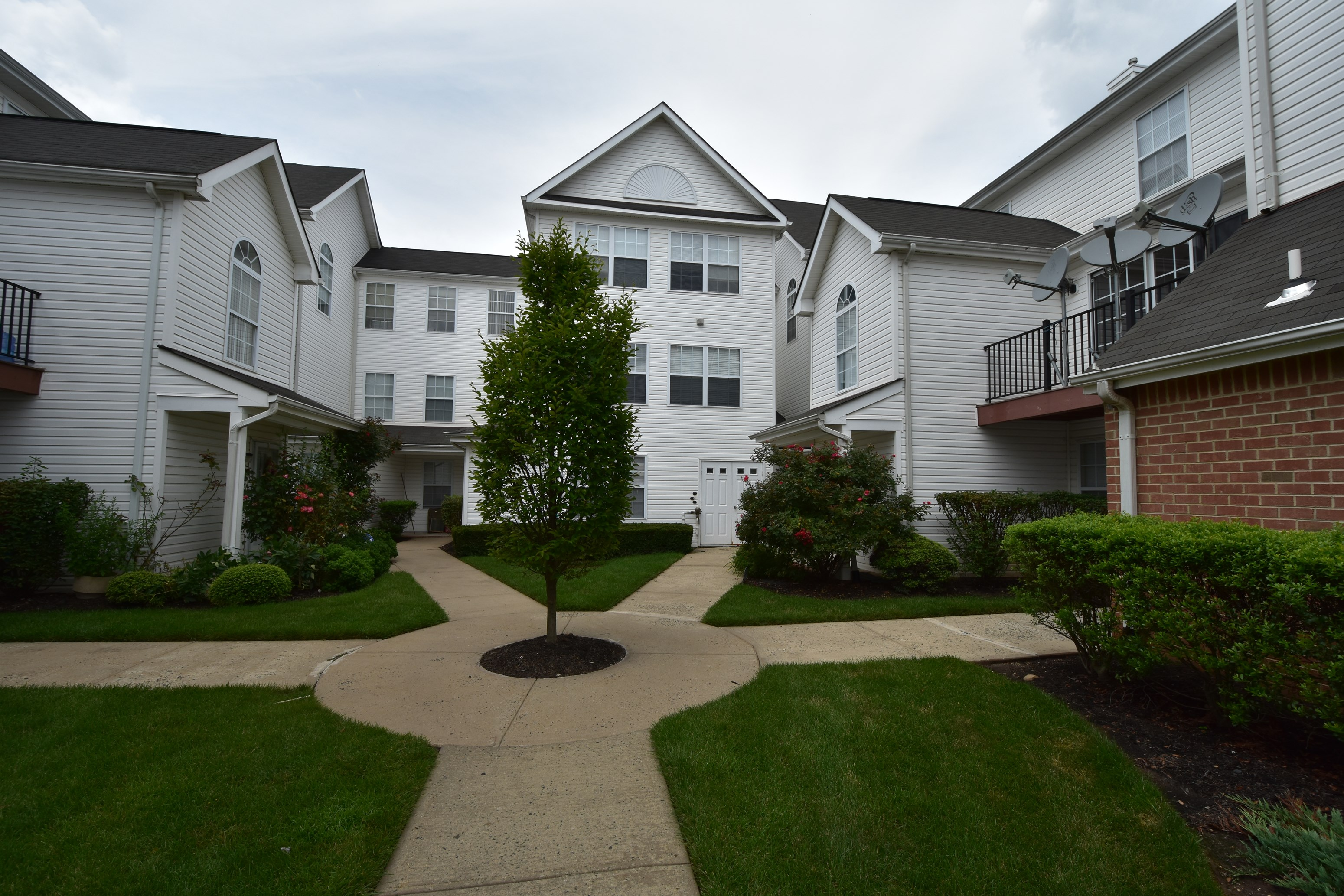 ALL UPGRADED 2 BR CONDO IN RENAISSANCE NORTH BRUNSWICK  FOR RENT. 2 Bedroom House for Rent in North Brunswick  NJ   Two Bedroom