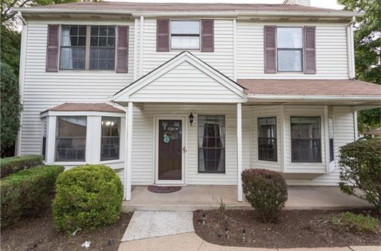 North Edison Townhouse For Rental 3 Bed 3 BathsRooms for Rent Edison  NJ   Apartments  House  Commercial Space  . 3 Bedroom Apartments For Rent In Edison Nj. Home Design Ideas