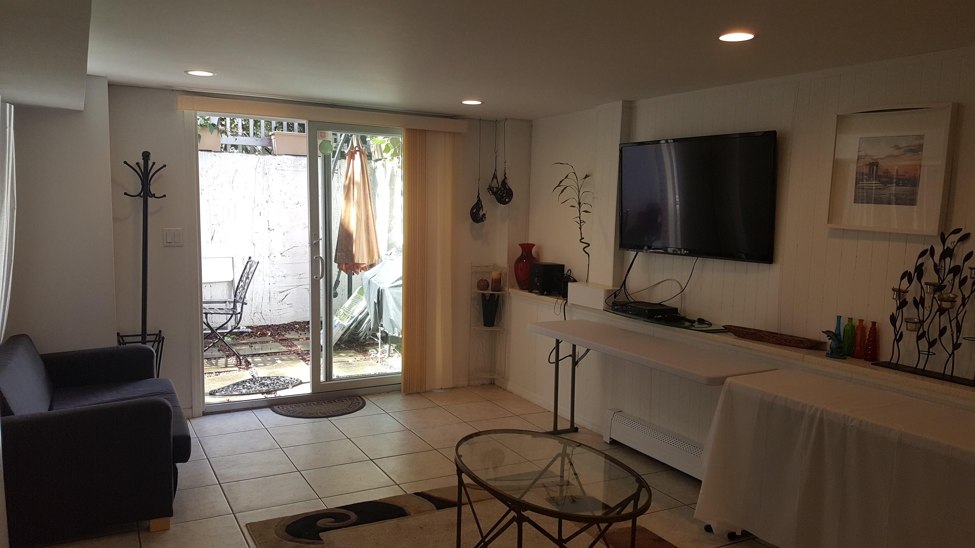Private Modern Studio Apartment W/ ALL Amenities