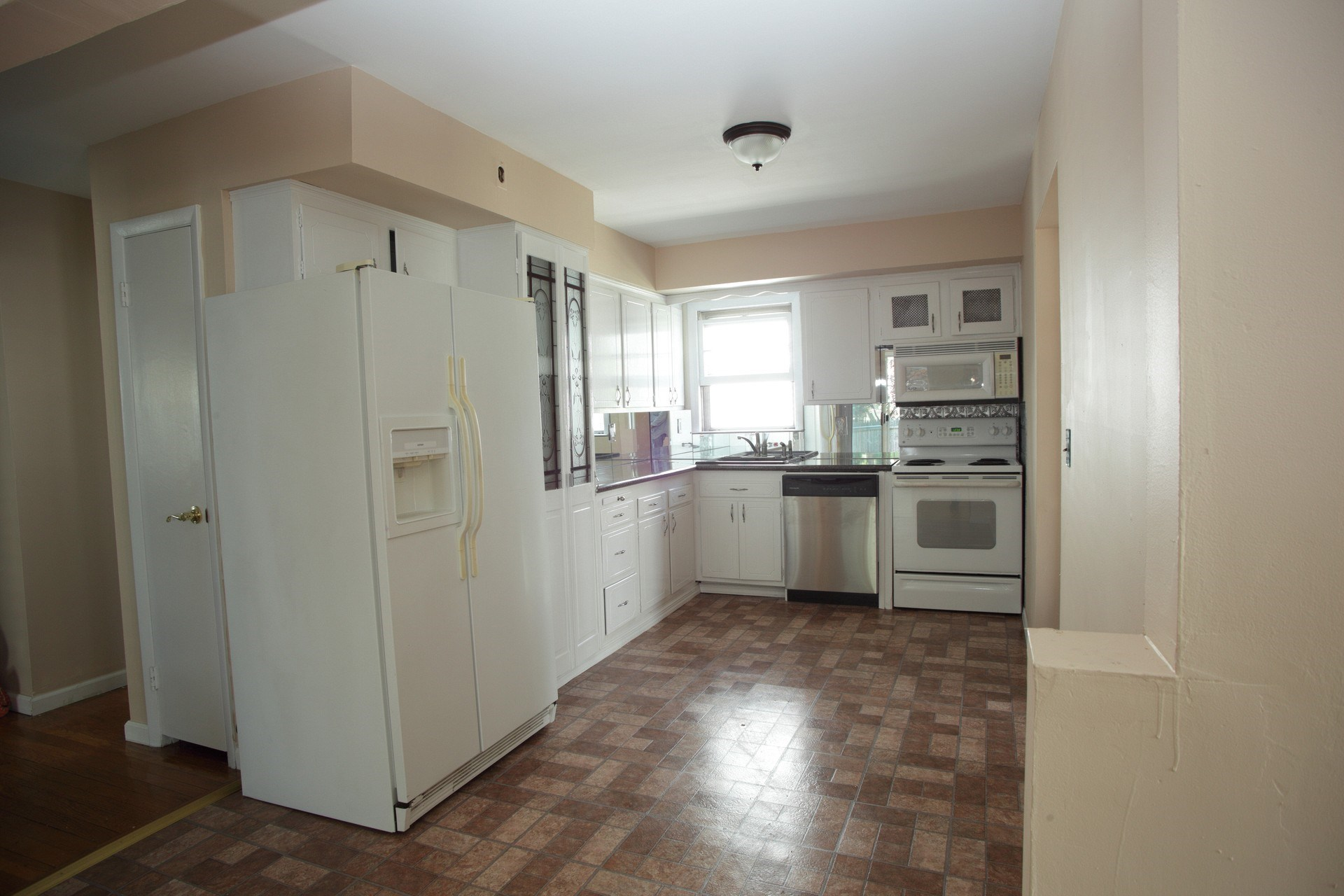 3 Bedroom Apartments For Rent With Utilities Included 3 Bedroom Apartment For Rent  All Utilities Included  No Fees .