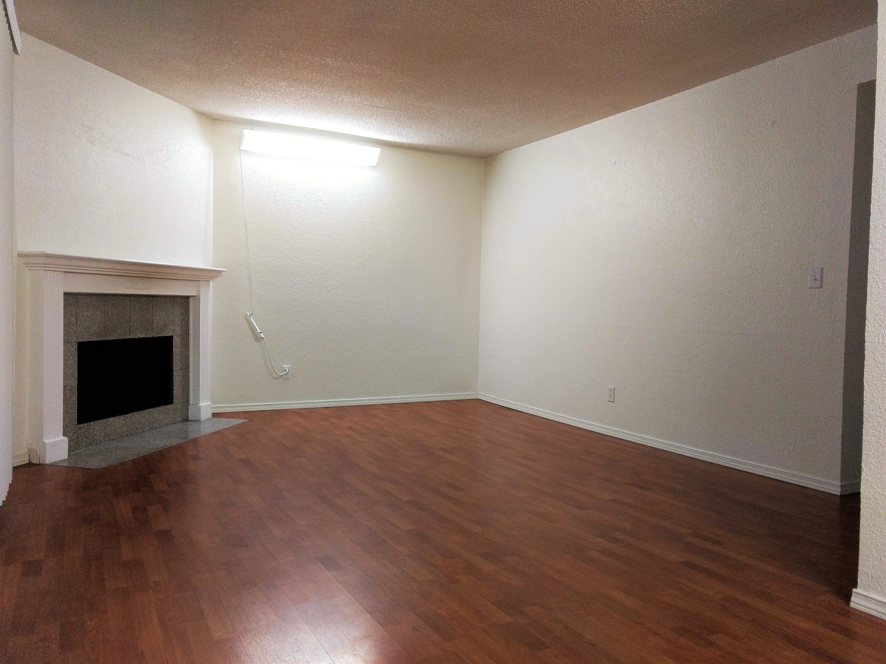 2 Bed 1 Bath Condo At Bellevue Crossroads For Long Term Lease