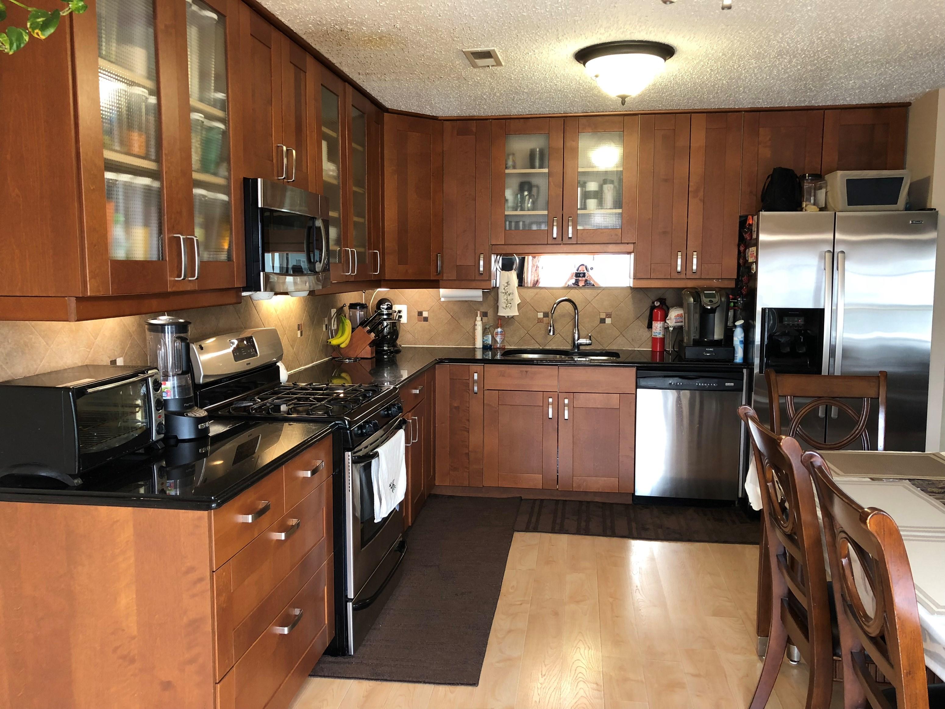 3 Bedroom Condo In North Edison