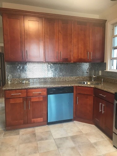 3 Bedrooms Apt - 6 Spruce St. 3 Blocks From Indian MK Fully ...