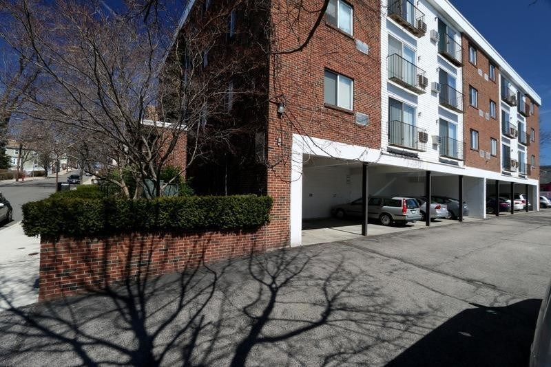2bed 1bath Apartment For Parking Heat Hot Water