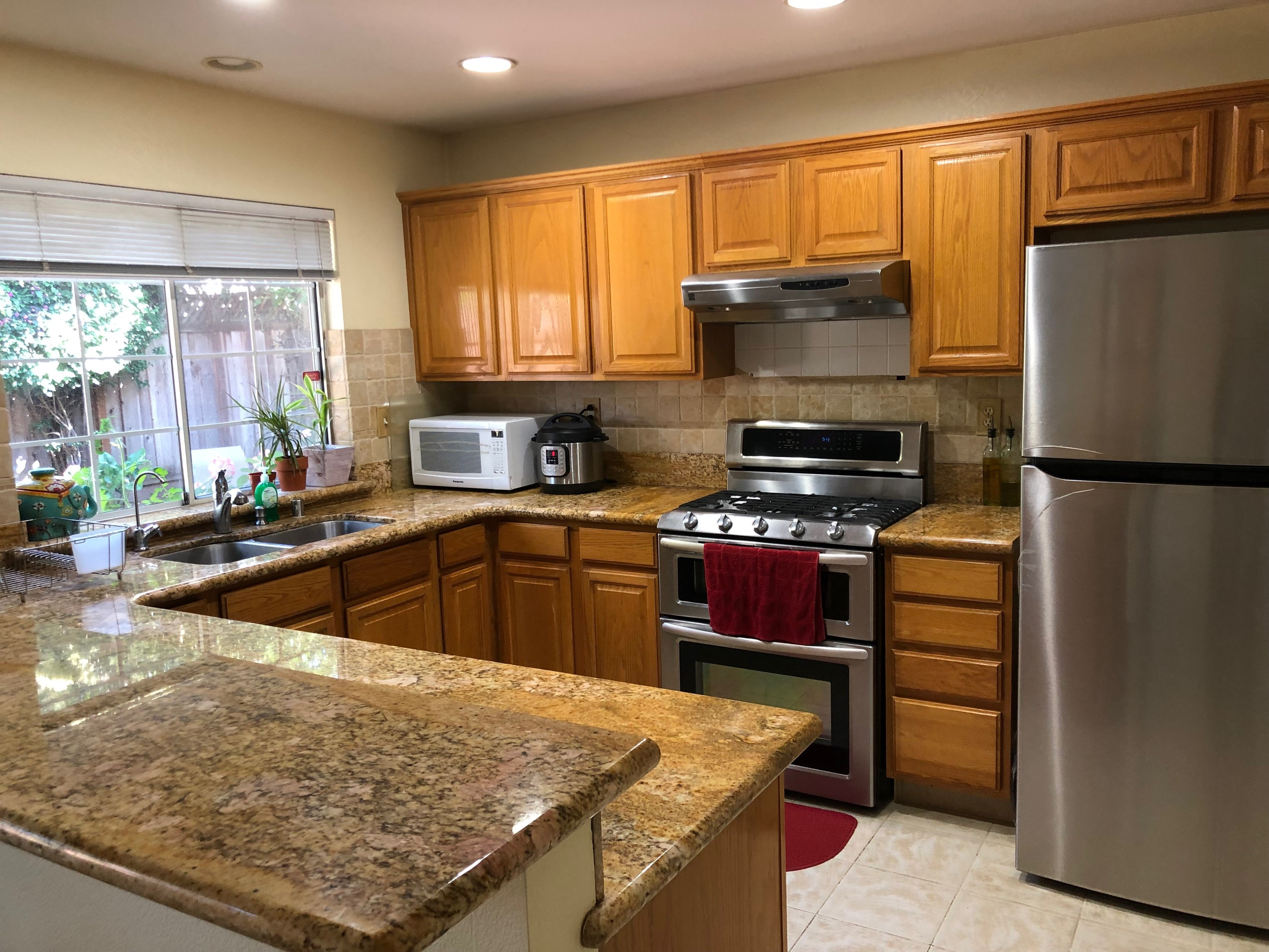 Single Family Home for Rent in Bay Area, Independent Family