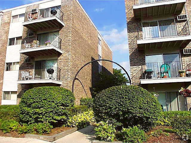 2 Apartments for Rent in Des Plaines, IL, Flats for Rent
