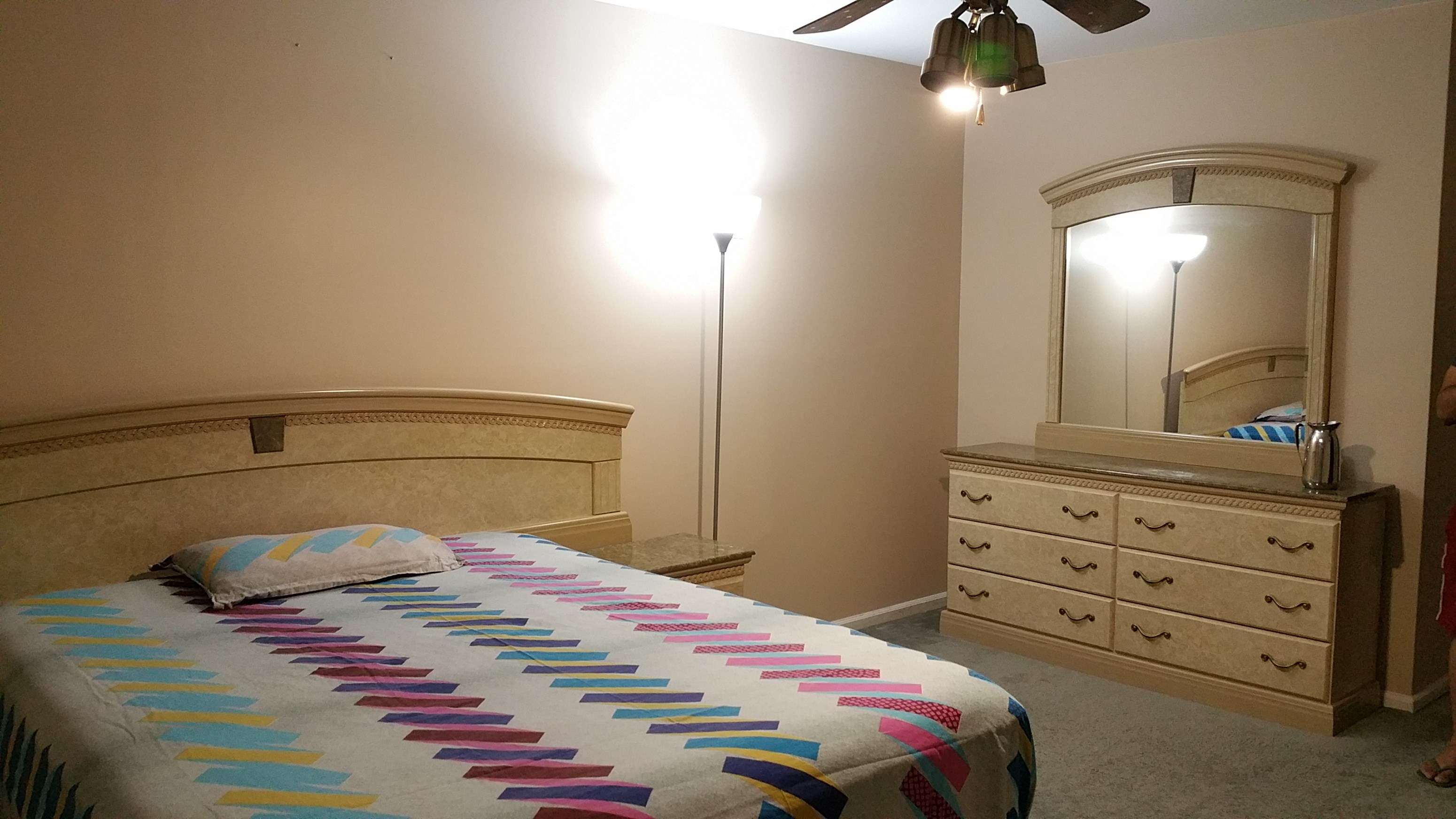 725 single room available in 3 bedroom and 2 5 bath