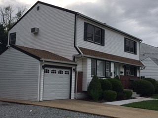 Newly Renovated Apartment To Share 1 Mile From Hicksville