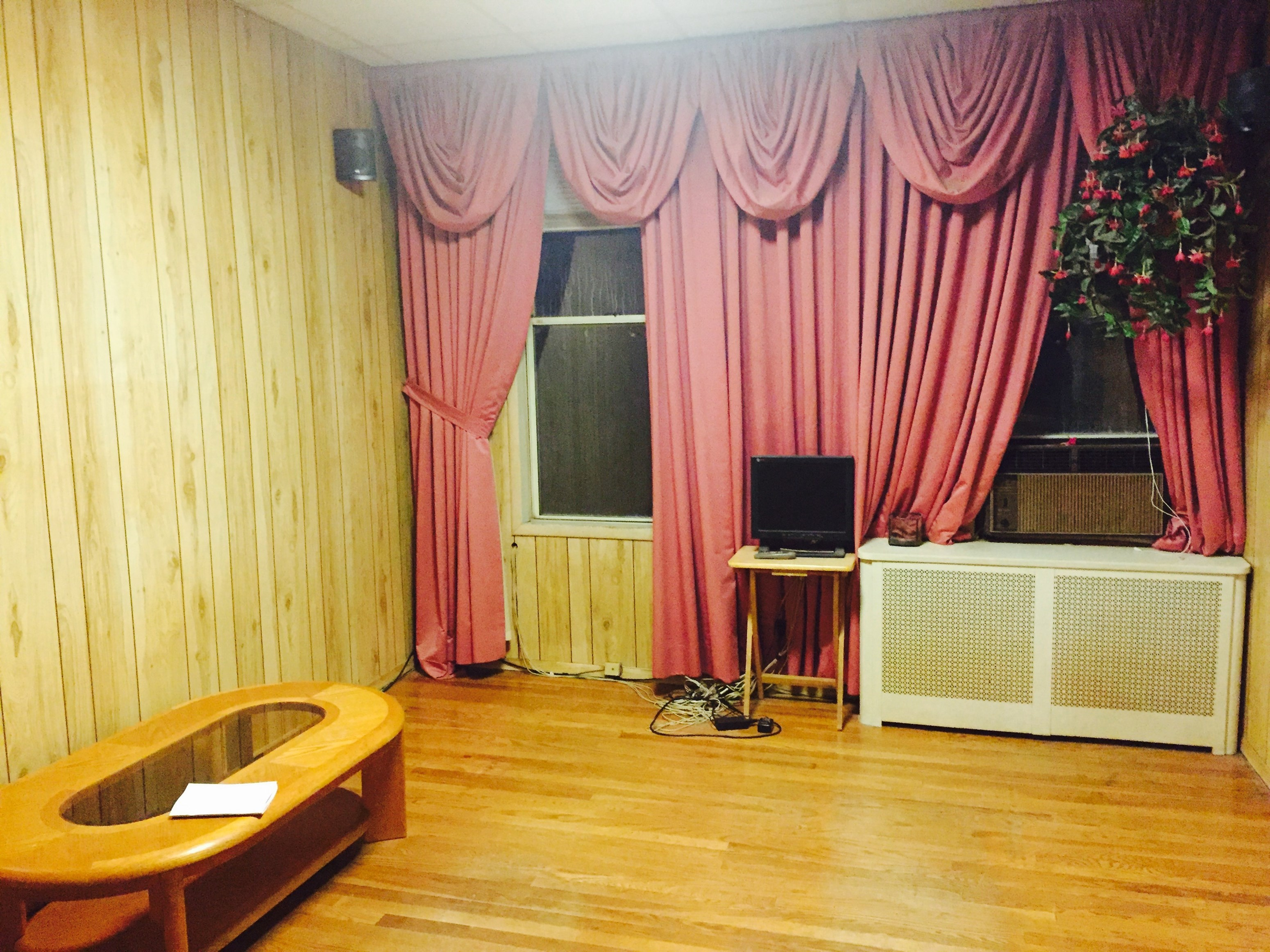 shared room for females in 3 bedroom apartment in jersey city nj