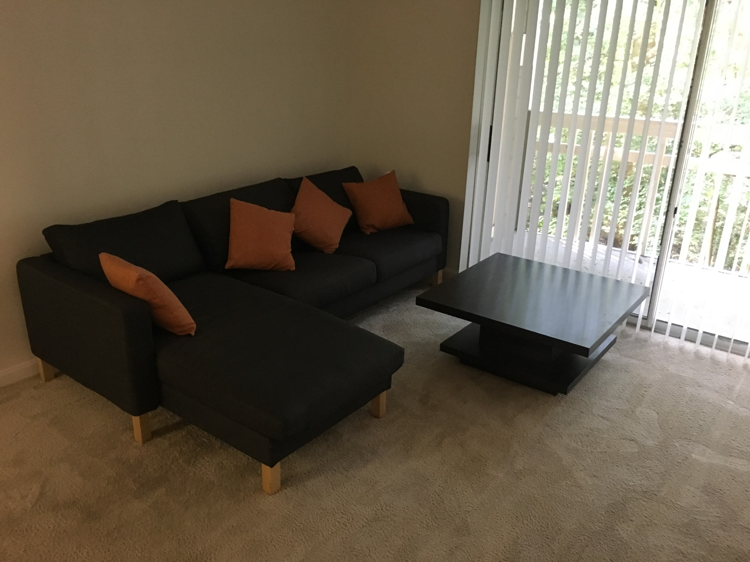 Single Room For Rent In Town House With Attached Bathroom