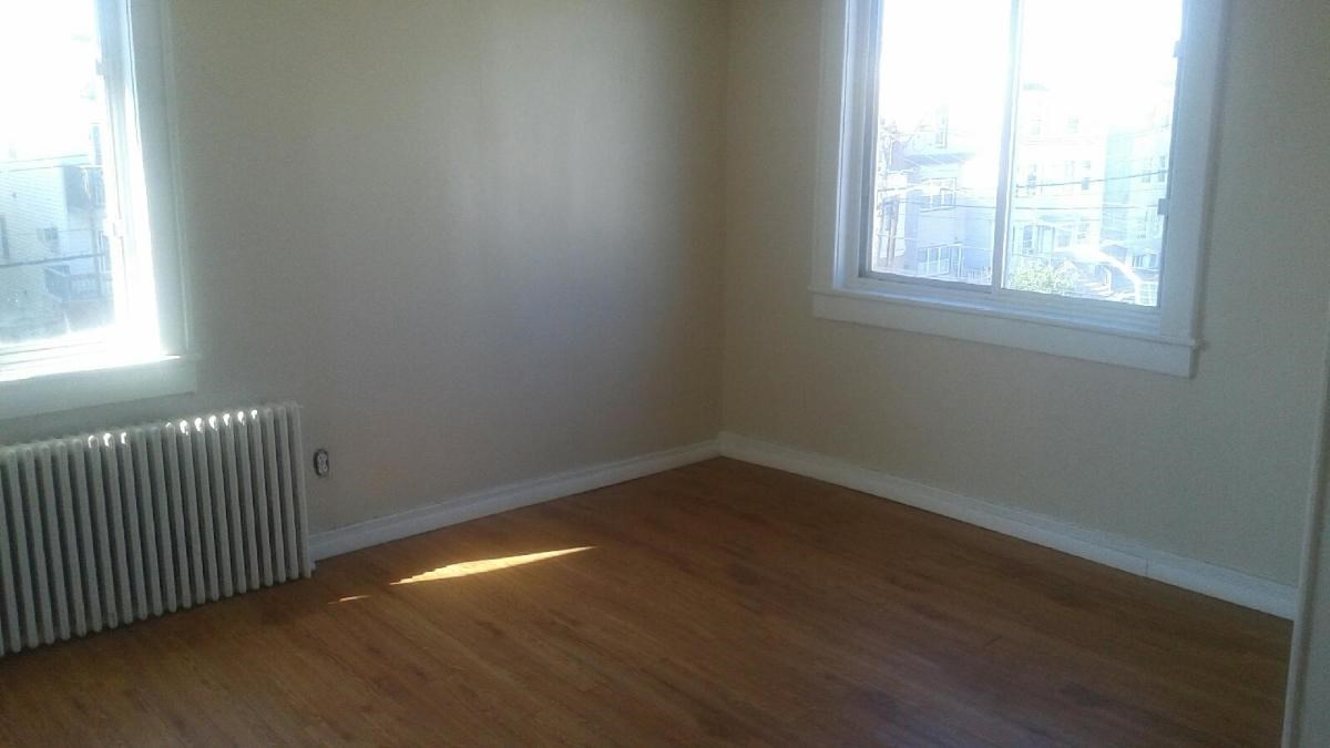 Bayonne Beautiful Master Bedroom In Two Bedroom Apartment For Rent Convenien