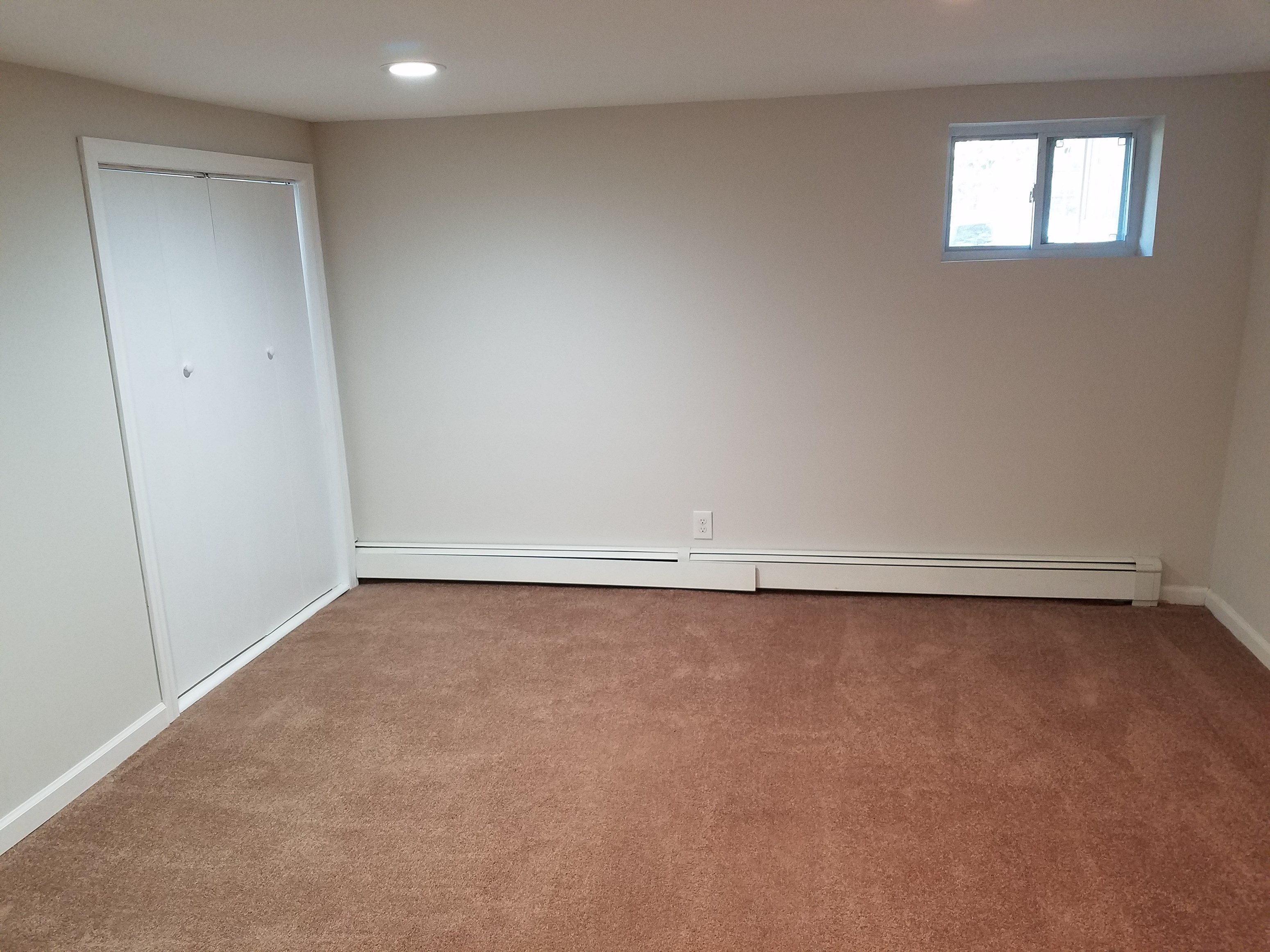Nice Basement With An Attached Bathroom Separate Entrance