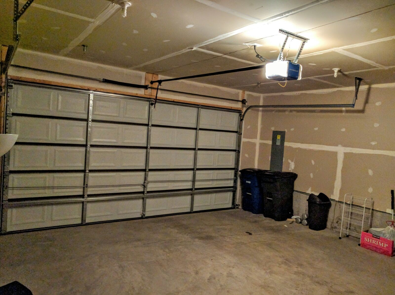1 bed 1 bath basement available for rent in a town home