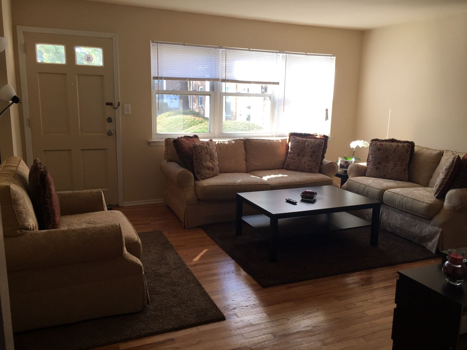 Looking For Roommate To Share 1 Bedroom Apartment In
