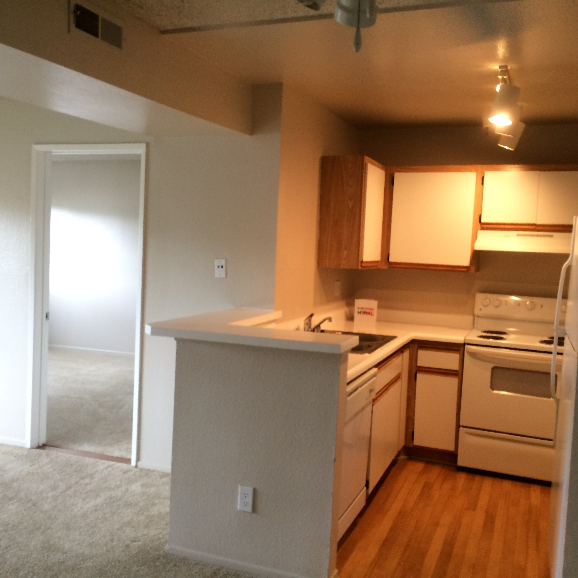 Available Room For Rent In A Furnished Apartment Near LA Downtown In Los Ange