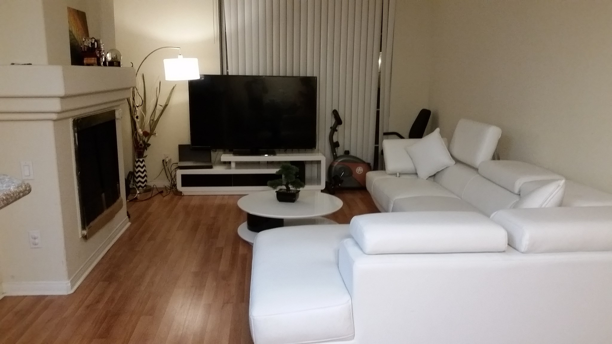 Nicely decorated master bed bath in a 2 br 2ba fully - Nicely decorated bathrooms ...