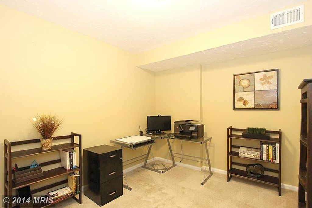 room for rent with private bathroom in germantown md 871365