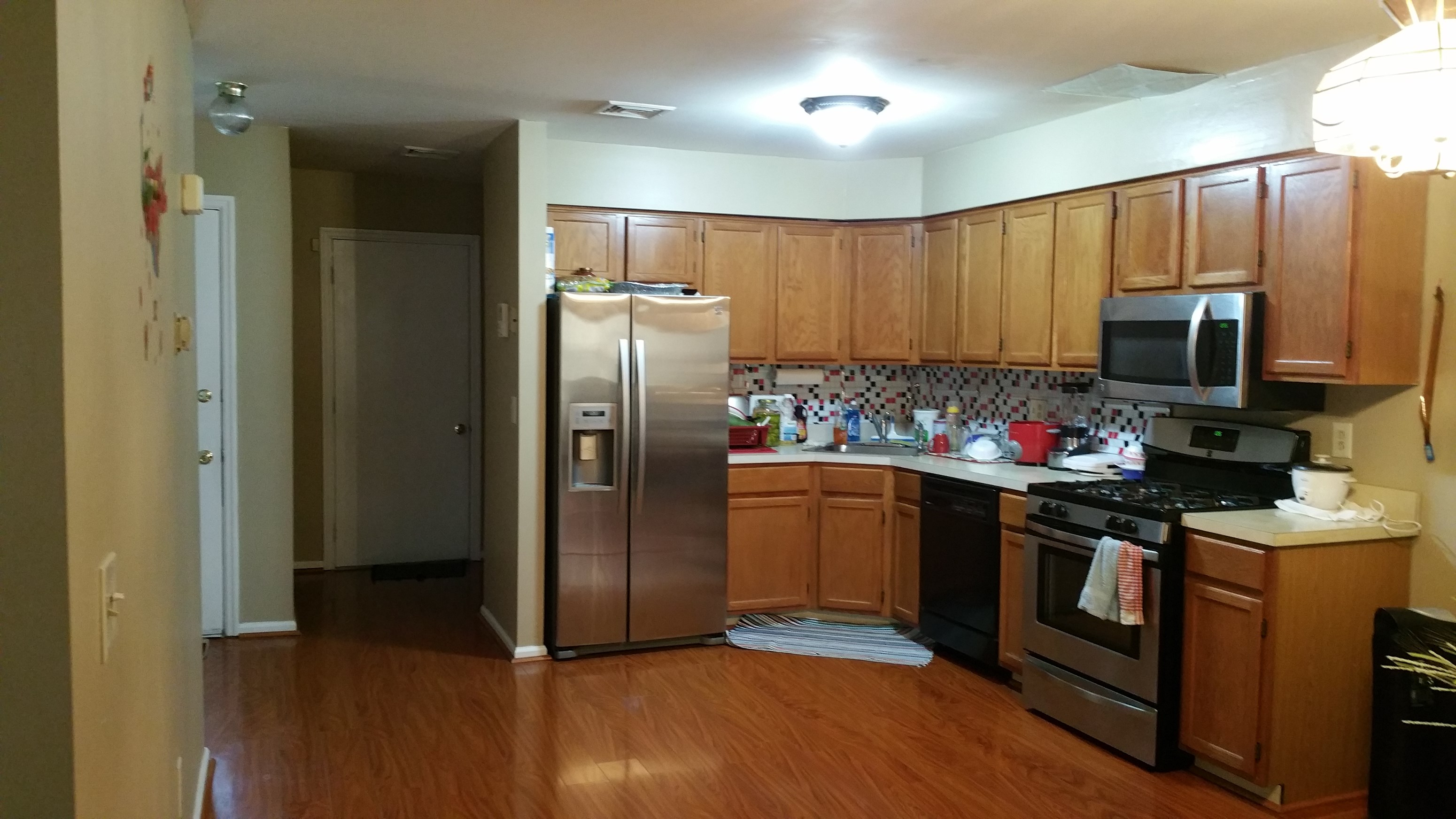 650 single basement room available in 3 bedroom and 2 5