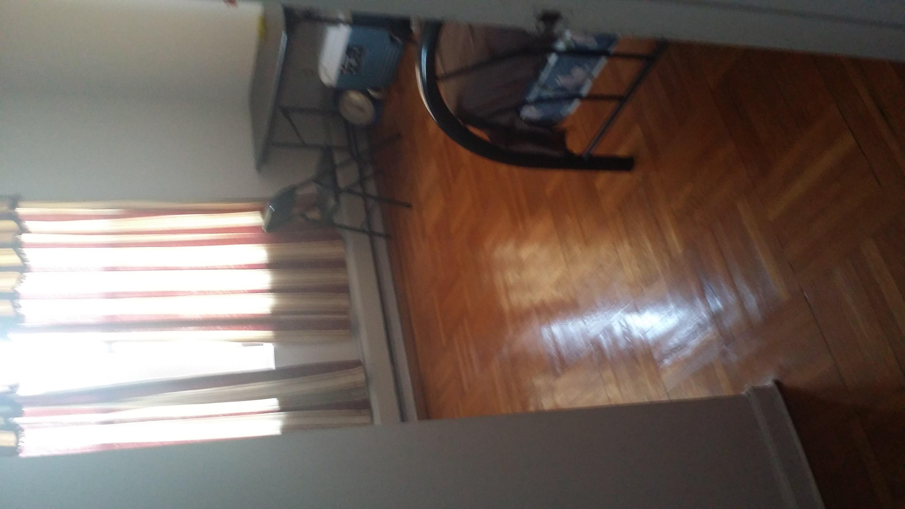one bedroom in 2 bedroom apartment - excellent ventilation in