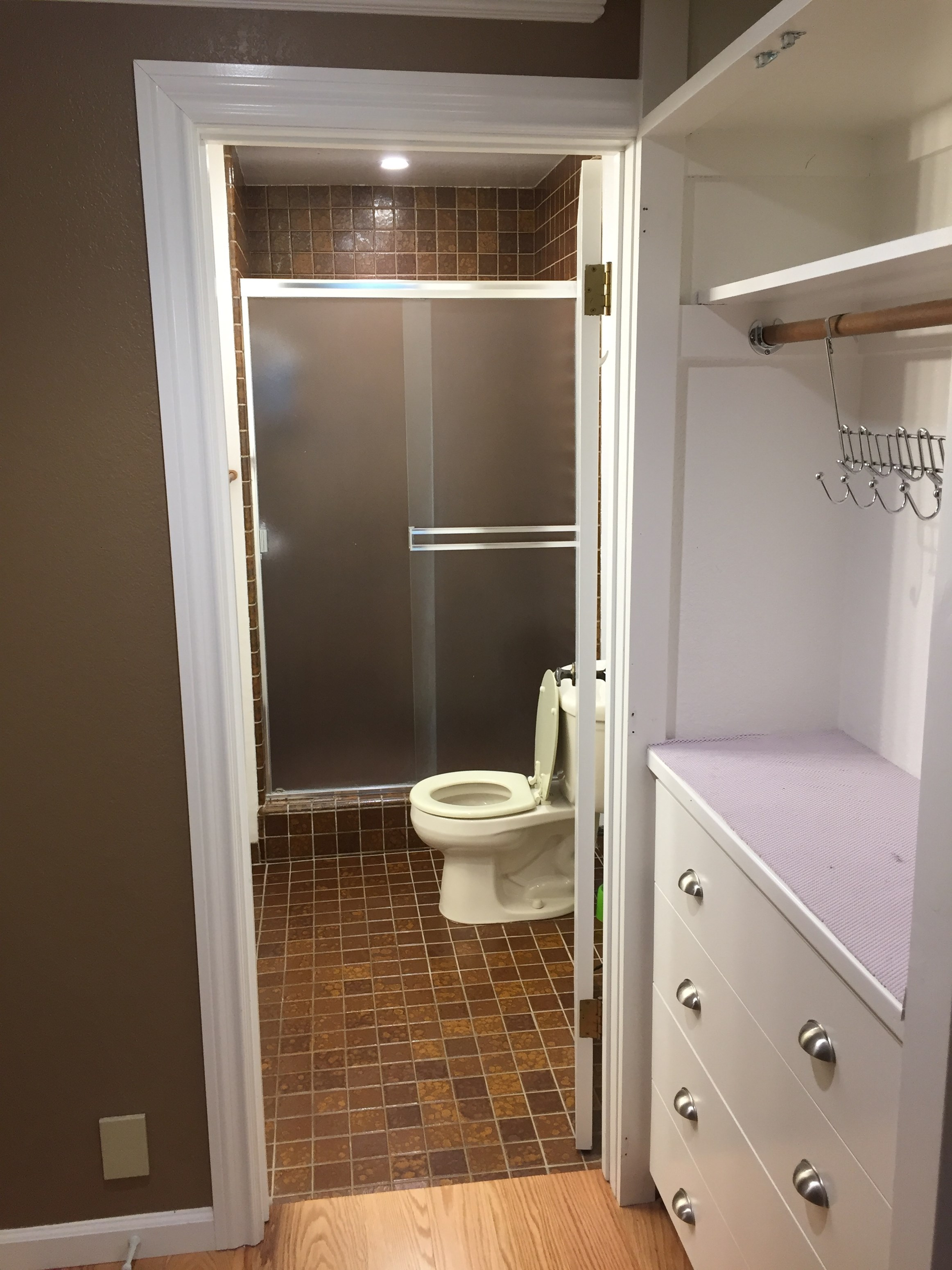 Looking For A Roommate To Take A Single Room In A 3B 2B Apartment