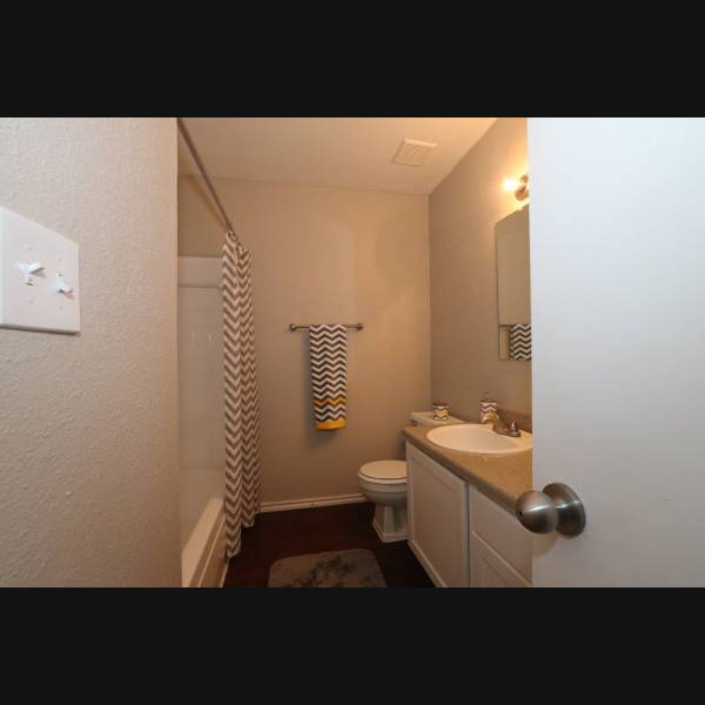 Single Bedroom Available In A 2 Bedroom Apartment At Houston, TX ...