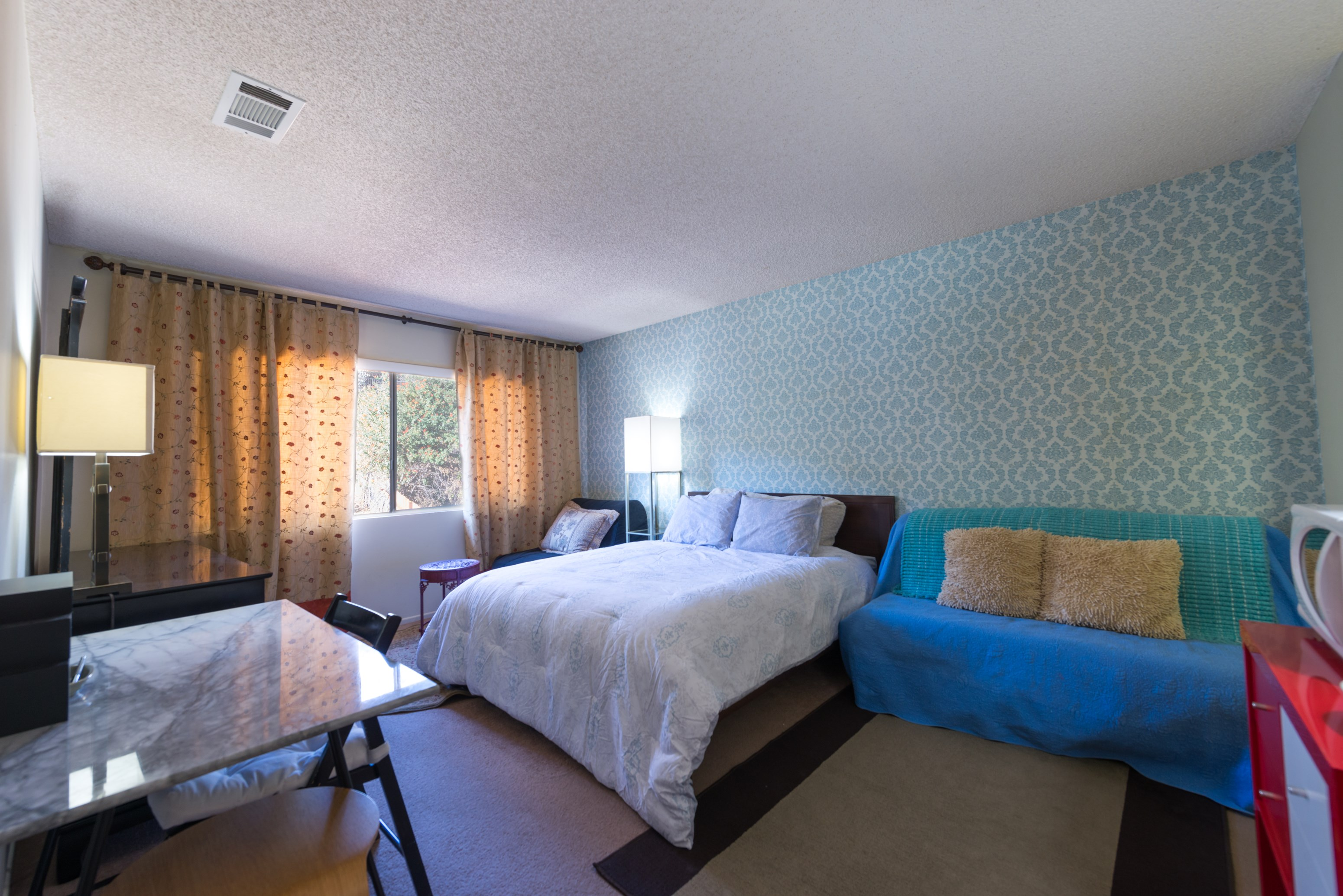 Private Master Bedroom (Ensuite) - Fully Furnished - Amgen Adjacent ...