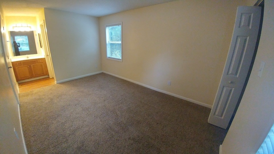 Master Bedroom With Private Bathroom On St Floor Apartment In RTP - Rooms for rent in nyc with private bathroom