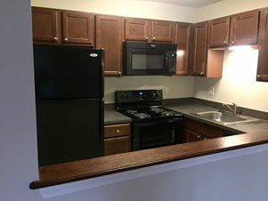 1 BHK Sublease Commons At Windsor Gardens
