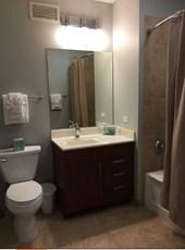 furnished personal room with en suite bathroom for image 2 - En Suite Bathroom