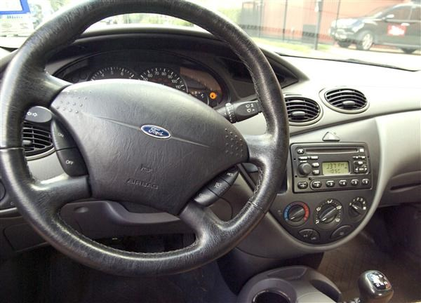 2001 ford focus prices, reviews & pictures | kelley blue book.