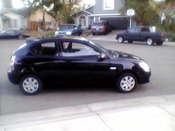 2009 Hyundai Accent GS 2 Door Hatchback Only 28K