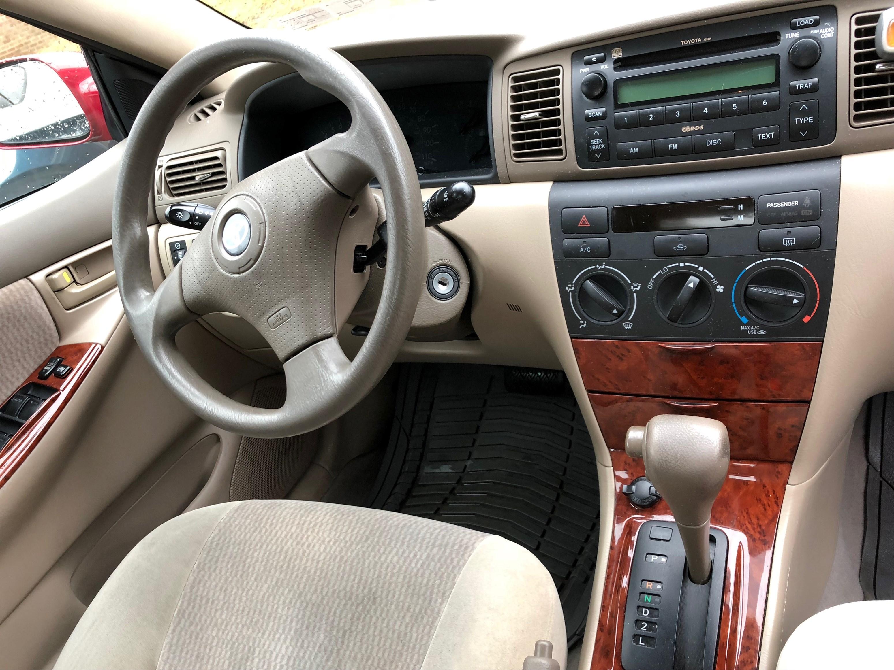 2008 Toyota Corolla LE   $6000