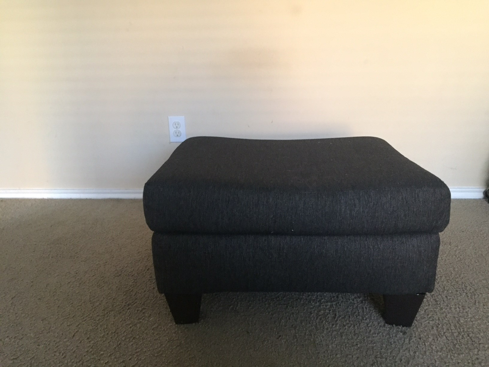 Sell Furniture And Home Decor  L size recliner along with automan. Buy Sell Online Used Furniture And Home Decor Dallas Fortworth