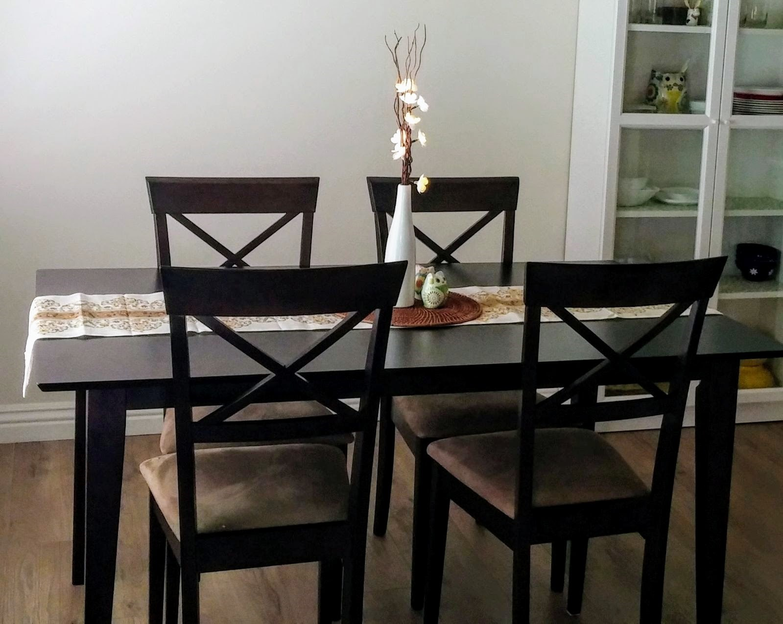 buy sell used furniture home decor electronic appliances solid wood dining table with 4 chairs